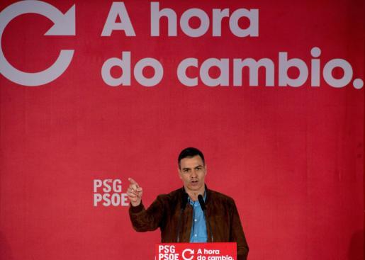 El presidente del Gobierno y líder del PSOE, Pedro Sánchez, participa en el mitin del candidato socialista a la presidencia de la Xunta, Gonzalo Caballero, celebrado este sábado en el Jardín del Posío de Ourense.