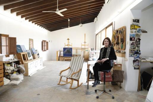 Dolores Sampol, en una imagen de archivo en su estudio de Palma.