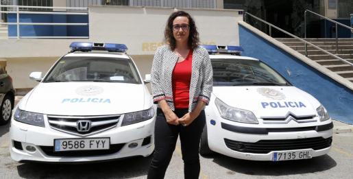 La regidora Joana Maria Adrover, en el punto de mira de sus agentes.