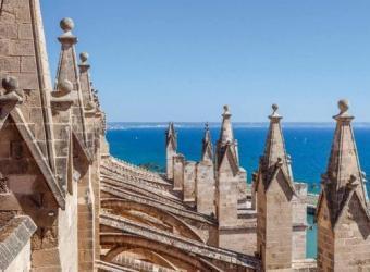Visita guiada a la exposición temporal 'Del Museo Arqueológico Diocesano al Museo de Arte Sacro de Mallorca. Más de 100 años de historia'