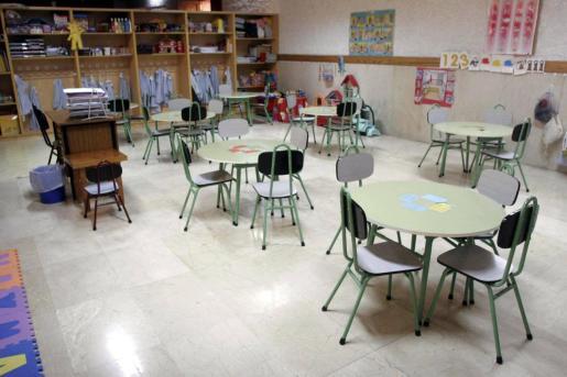 El borrador pide fortalecer la enseñanza pública como «columna vertebral» del sistema educativo.