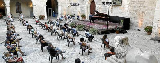 El Palau Reial de l'Almudaina acogió ayer su primer concierto tras el estado de alarma.