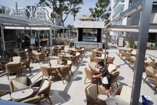 El turismo es uno de los sectores más afectados por la crisis del coronavirus. En la imagen el hotel Concordia, uno de los primeros hoteles que han abierto en Baleares.