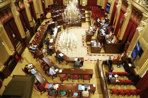 El Parlament destina 130.826 euros de los gastos de dietas y desplazamientos de los diputados a la crisis de la COVID-19