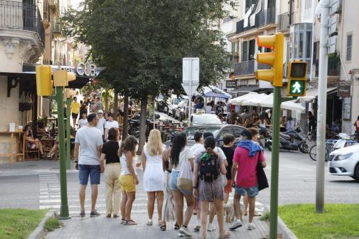 Entrada en el barrio de Santa Catalina por la Avenida Argentina.