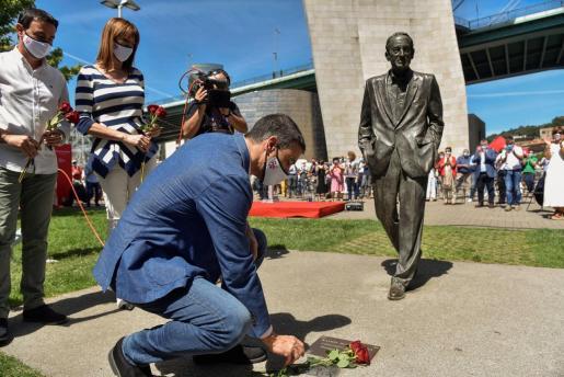 El Presidente del Gobierno, Pedro Sánchez, ha participado en Bilbao en un acto electoral del PSE-EE junto a la candidata a lehendakari, Idoia Mendia, y el secretario general de los socialistas vizcaínos, Mikel Torres.