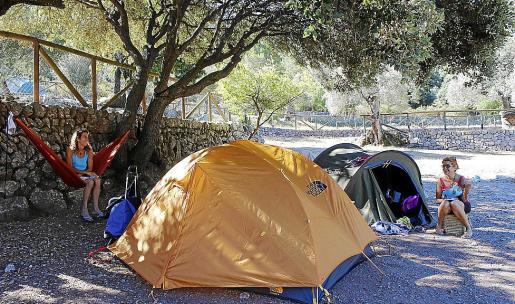Flor Funes y Belén González han disfrutado de la acampada con sus respectivas hijas en Lluc.