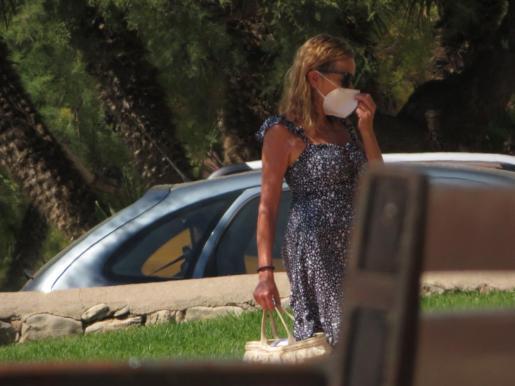 Ana Obregón, este lunes en las inmediaciones de su residencia en La Costa de los Pinos.