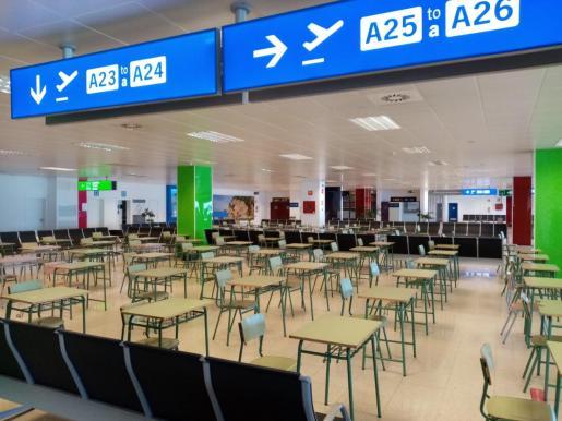 En la imagen, todo preparado en la antigua Terminal A del aeropuerto para la selectividad. El Velòdrom y el Palau de Congresos también han sido habilitados.