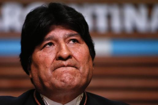 Fotografía de archivo fechada el 21 de febrero de 2020 que muestra al expresidente de Bolivia Evo Morales mientras habla durante una rueda de prensa en Buenos Aires.