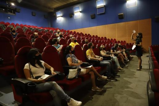 Los trabajadores han recibido un curso de formación antes de su apertura. Jaume Morey
