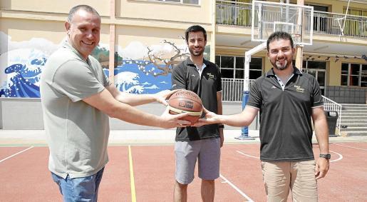 Julián Iglesias, David Uribe y Álex Requeni.