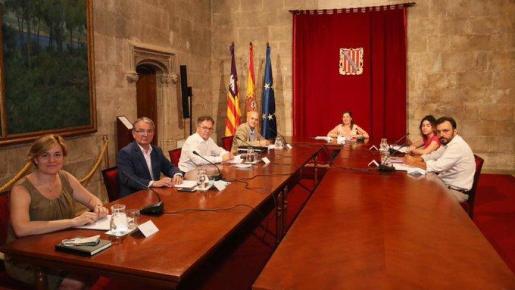 Imagen de la reunión la FELIB.