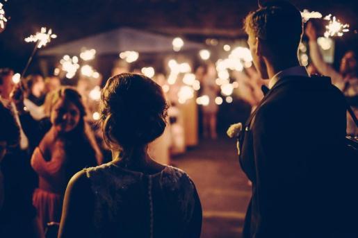 Las bodas también se limitan a 250 personas al aire libre y 150 en cerrados.