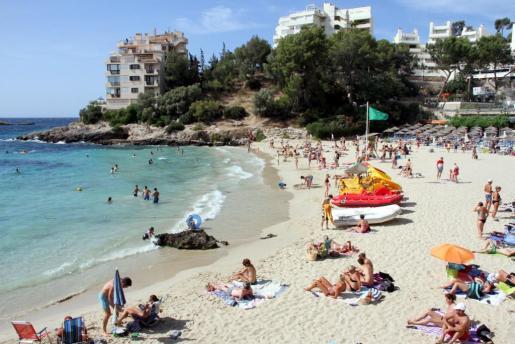 Imagen de archivo de la playa de Illetas.