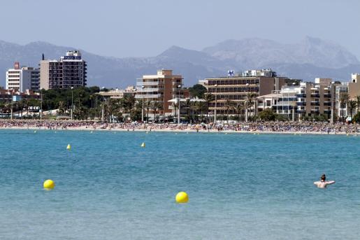 Imagen de archivo de la primera línea de la Playa de Palma.