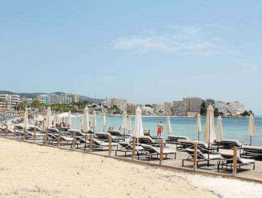 En Magaluf han abierto algunos establecimientos, pero el ritmo es atípico de un mes de julio. Los hoteleros prevén una ocupación en Mallorca del 30% este mes y superior al 50% en agosto.