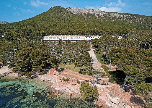 La cinta relata la relación del hotel de Formentor con la cultura.