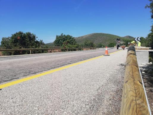 Ésta es la barrera de 450 metros instalada en los accesos a Cala Varques.
