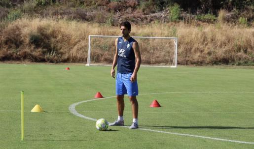 El delantero serbio del Atlético Baleares, Dejan Lekic, en el entrenamiento de este miércoles en Mijas.