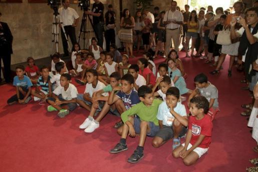 La recepción de los niños saharauis se produjo en el consolat de mar.