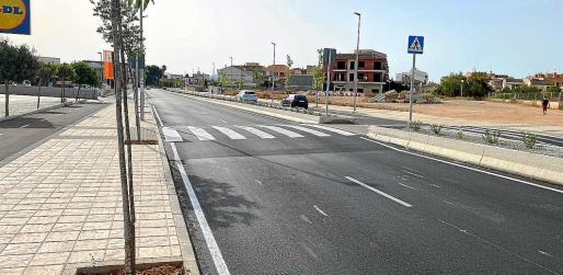 Los badenes obligan a reducir la velocidad al llegar al casco urbano de Campos.
