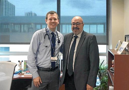 Pablo Escribá, a la derecha, con Derek Hanson, investigador de proyectos de Laminar en Estados Unidos.