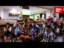 Los aficionados del Atlético Baleares viven con intensidad el partido
