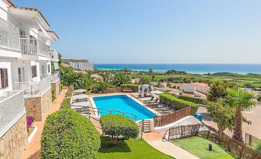 Los propietarios de viviendas turísticas pueden perder la licencia tres años si los inquilinos incumplen la norma.