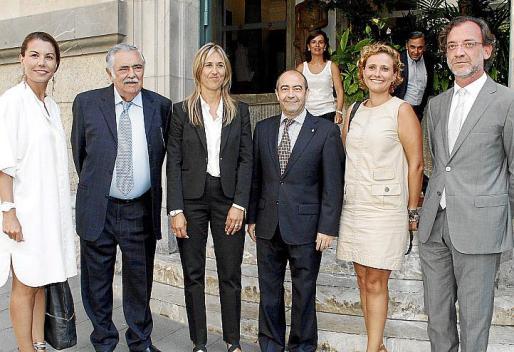Carmen Lliteras, Pere A. Serra, Teresa Palmer, Antonio Gómez, Julia Rubio y Evelio Antich.