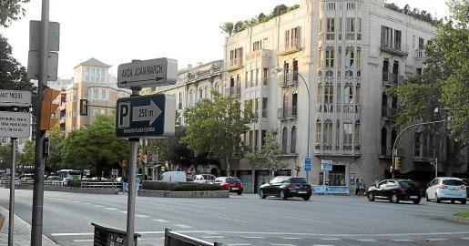 La Avinguda Joan March recuerda al empresario y financiero al que Podemos tilda de «fascita y pirata».