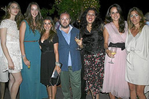 Lucía Domínguez Dominguín, Cristina Duato de Salazar, Laura Calvo, Tommy Ferragut, Marta Rebuzzna, Elena Munar y Lluïsa Llull.