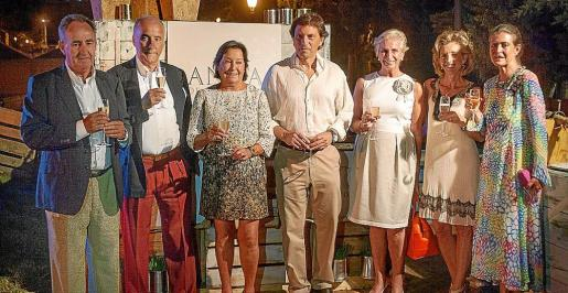 Javier Sanz, Ignacio Ros, Carmen Sanz, Mateo Isern, Mar Raventós, María José Barceló y Cristina Macaya.