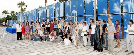 Autoridades, organizadores y artistas, ayer en la finca es Revellar, en la presentación de ArtNit Campos.