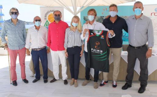 Joan Planiol, Jordi Mulet, Joan Genovard, Marleen Miralles, Vicenç y Sito Palmer y Guillem Boscana, ayer, en el Hotel Roc de Illetas.