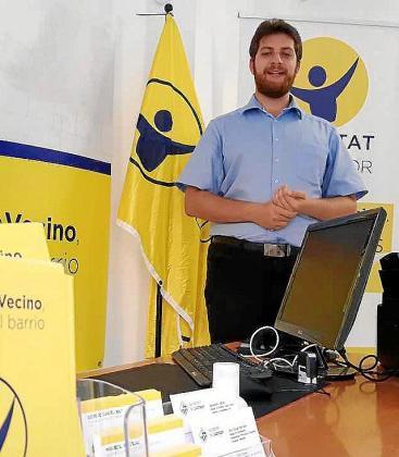 Alxexandro Gaffar en la sede del partido en el Arenal.