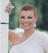 Terelu Campos ha mostrado su nueva imagen en la portada de la revista Hola!.