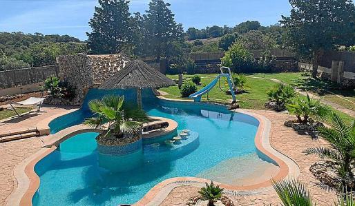 Holger ofrece su espectacular piscina por 25 euros a tan solo 15 minutos de Palma.