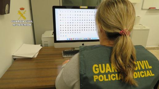El equipo Mujer-Menor (EMUME) de la Guardia Civil de Baleares recibió información de ambos detenidos.