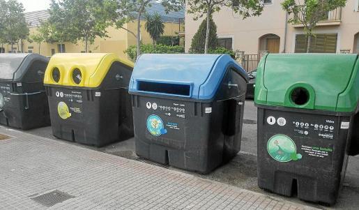 Contenedores de basura de EMAYA, en el término municipal de Palma.