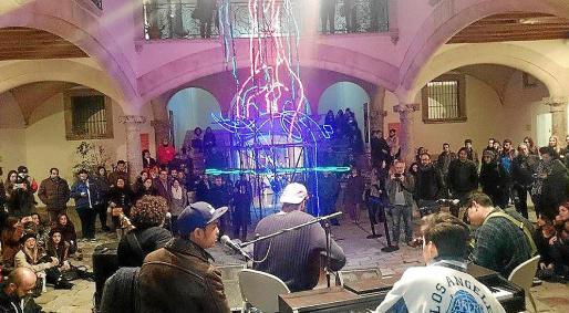 u Denuncia al Consistorio por obras dramáticas y musicales en el Solleric y La Misericòrdia