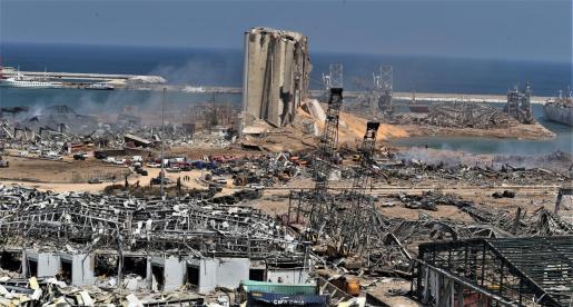 Estado en el que ha quedado la zona de Beirut en la que se produjo la fuerte explosión.