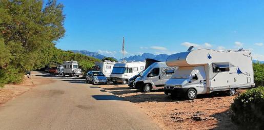 Imagen de una concentración de caravanas en Alcúdia.