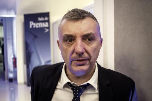 El reconocido escritor Manuel Vilas, que este viernes visitará Pollença junto a Javier Cercas.