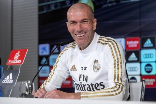 El entrenador del Real Madrid, el francés Zinedine Zidane, durante una rueda de prensa.