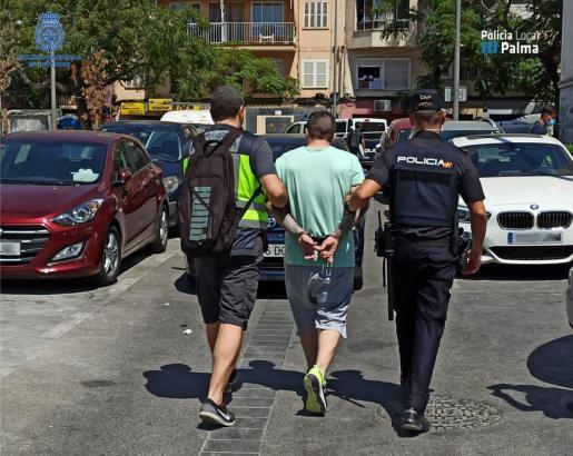 Uno de los detenidos durante la operación 'Vulcano'.