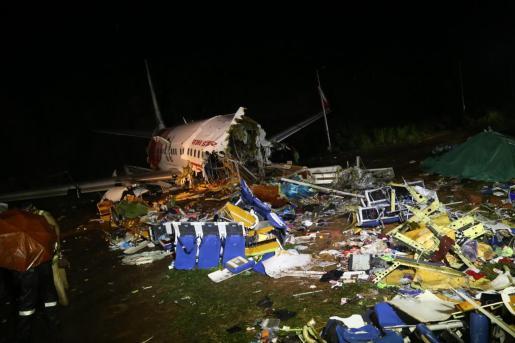 Imagen del avión siniestrado en Calicut.