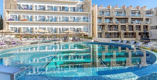 Los fondos eligen hoteles de cuatro y cinco estrellas en las Islas para rentabilizar su inversión.