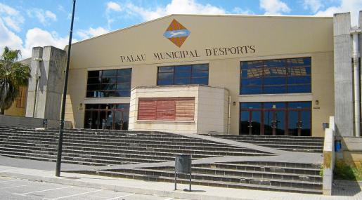Imagen de la fachada principal del Palau d'Esports de Inca, recinto que durante varias temporadas acogió partidos de competiciones FEB.