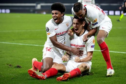 Lucas Ocampos celebra su gol que pone al Sevilla en semifinales.